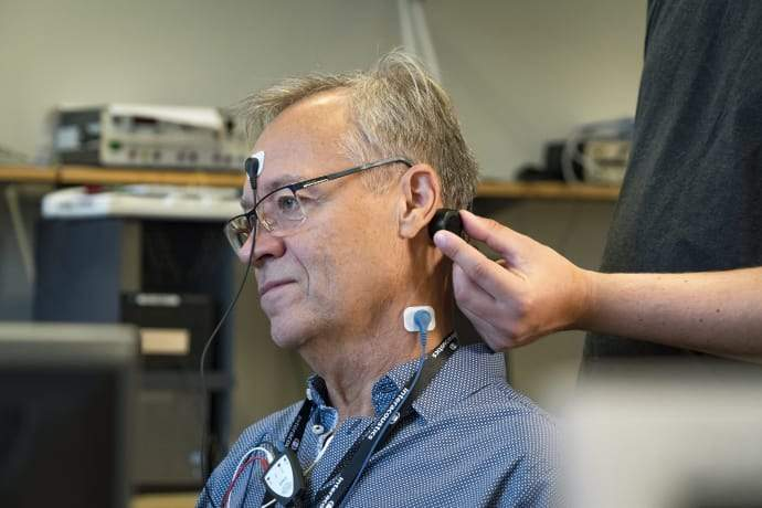 Swedish researchers develop vibrating device to enhance diagnosis of dizziness