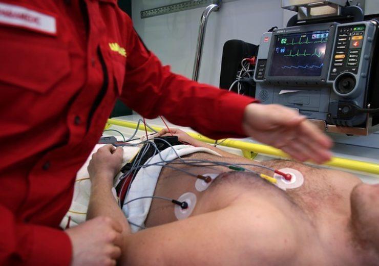 ambulance-3592155_640
