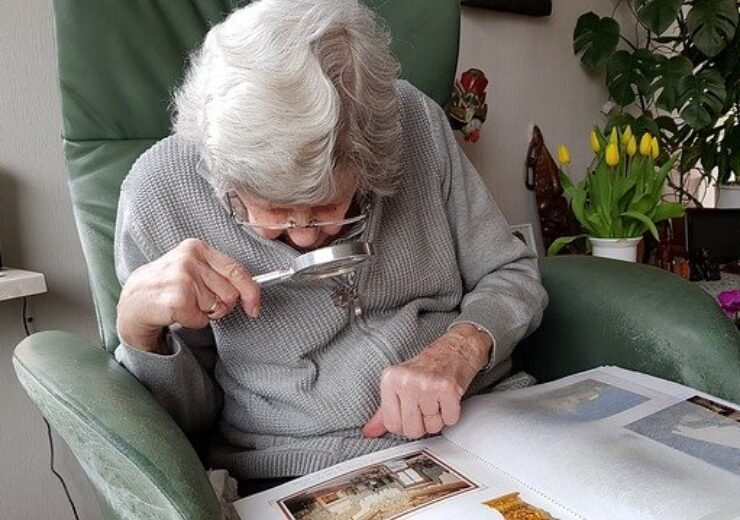 elderly-3282517_640