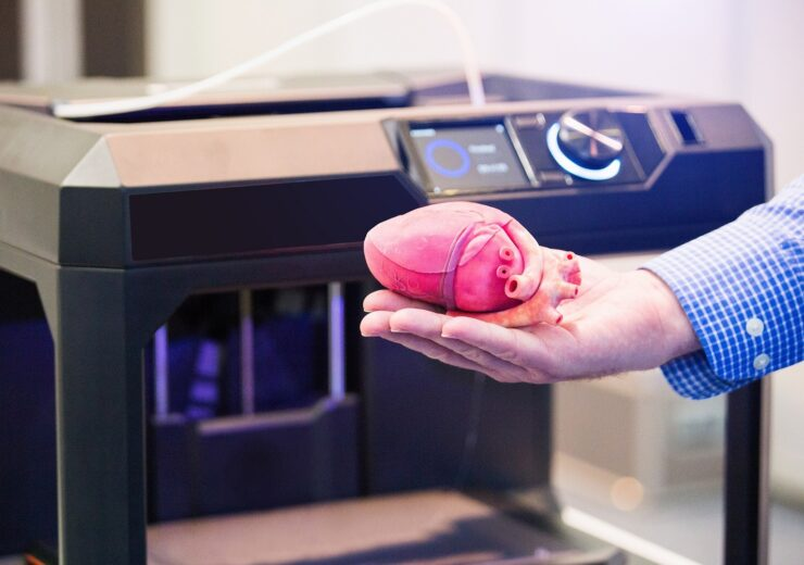 The,Engineer,Demonstrates,The,Heart,Printed,On,A,3d,Printer